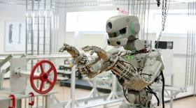 Роботу «Федору» вставили радиационно-стойкие «мозги» и ограничили в движениях